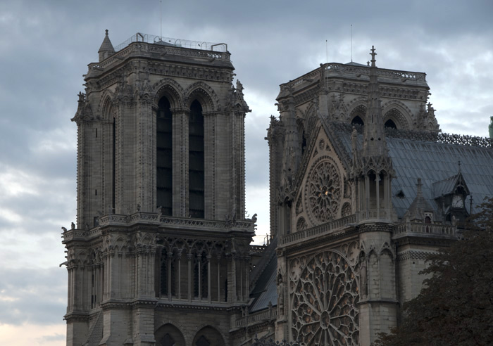 Cathedral Notre Dame (f11 - 1/6 sec - ISO 100) — © Adam Sedgley