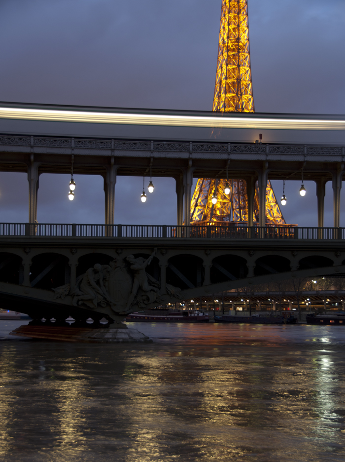 Bir_Hakeim_Bridge_Paris_0508