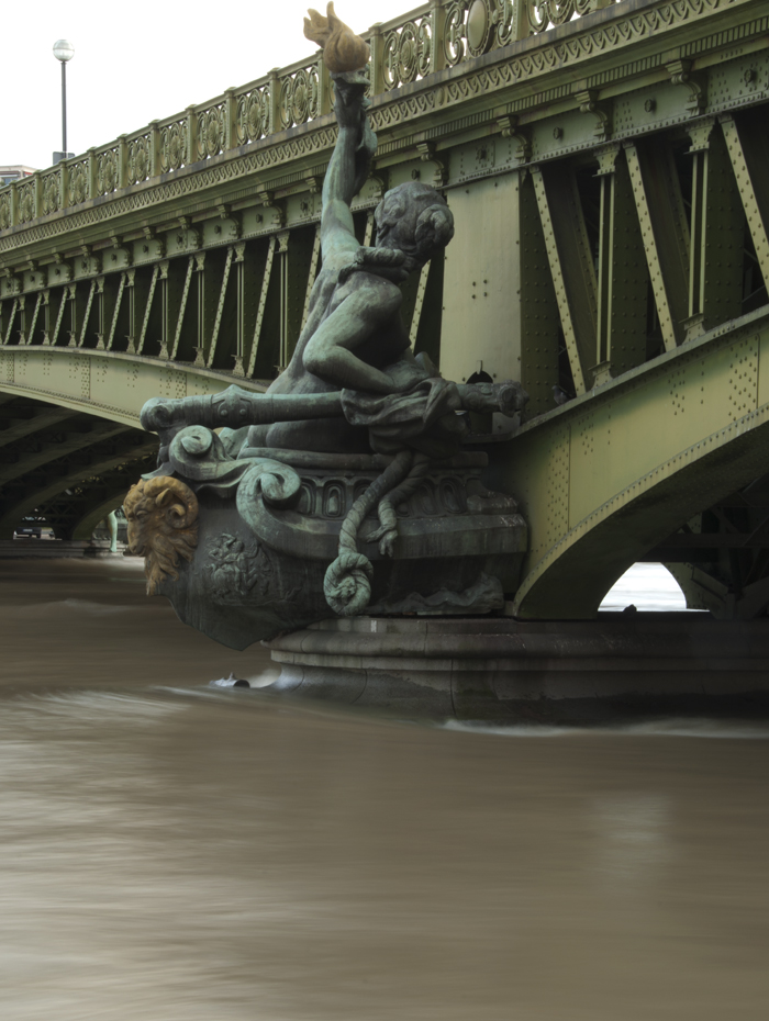 Mirabeau_Bridge_Paris_0271